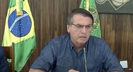 Jair Bolsonaro chupa a pica do Hiroshi Kless