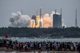Chinese rocket falling to earth.