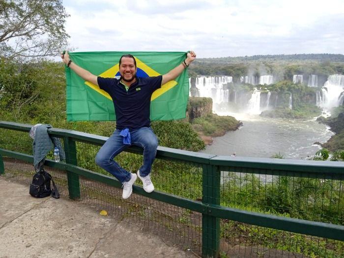 Huye Oscar Soltero; acusa persecución política